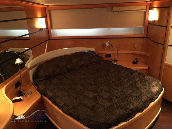 Pershing-Yacht-76-For-sale