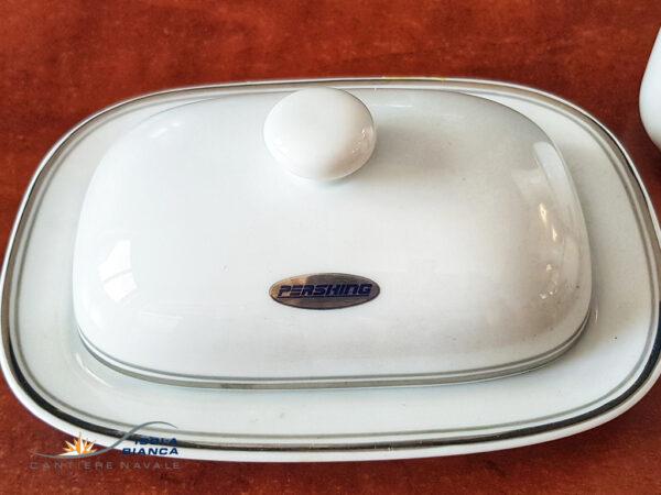 Accessori da tavola a marchio Pershing